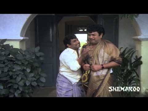 Brahmanandam catches Giri Babu in a saree - Pellama Majaka Comedy Scenes