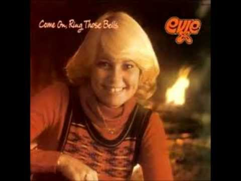 Evie Tornquist - Come On Ring Those Bells