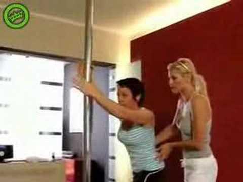 Khi chị em học múa cột Và cái kết bất ngờ