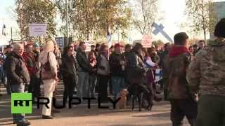 Finland: Anti-refugee protesters rally near Swedish border