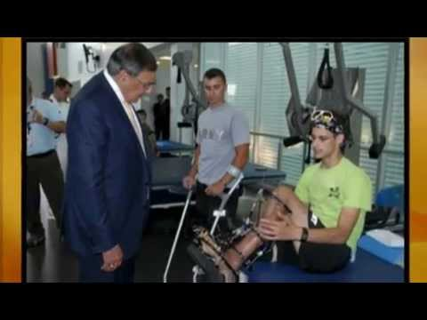 Panetta visits wounded warriors in San Antonio