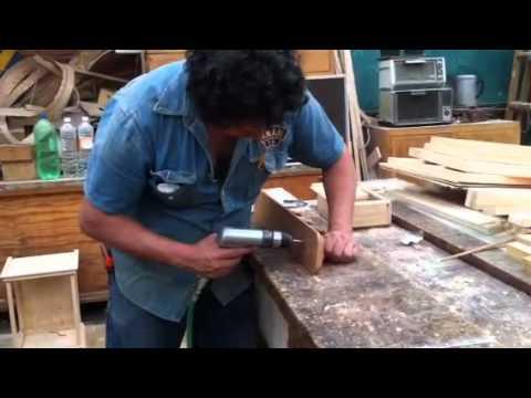 Fabricar perchero de caoba youtube - Percheros para sombreros ...