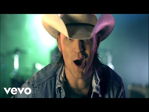 Justin Moore - Backwoods Video