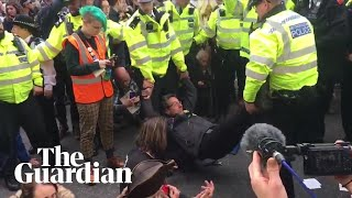 George Monbiot arrested for defying Extinction Rebellion protest ban