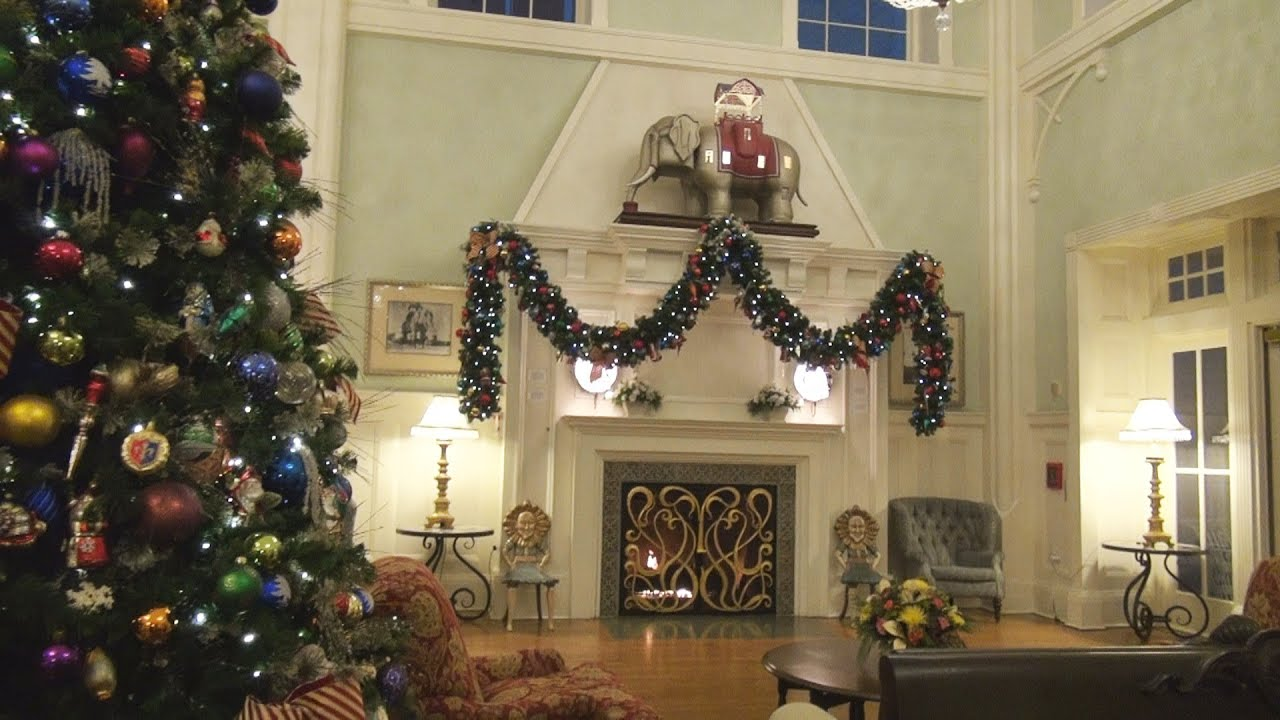 100 Fresh Christmas Decorating Ideas - Southern