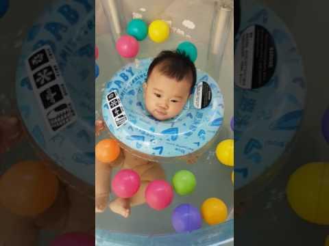 Baby Swimming/ Renang Bayi/ Bayi usia 5 Bulan