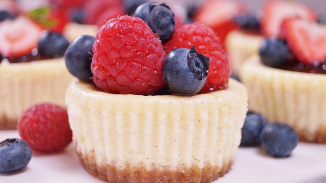 Mini Cheesecakes Recipe - Cheesecake Cupcakes - Diane ...
