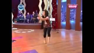 رقص بنت على شيله