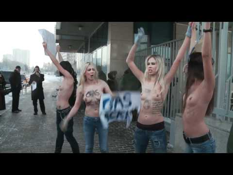 Femen Moscow Protest Performance �а�и �азп�ом! (shut gazprom!, stop gaz blackmail) Censored on Youtube Femen: Paris Nudite - Liberte manifesto Protest http:/...