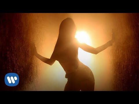 Anitta - T Na Mira (Lyric Video)