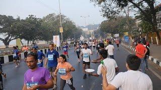 Mumbai Marathon 2017 Video Part 2.Half Marathon Participants Running near Girgaum Chowpatty,India