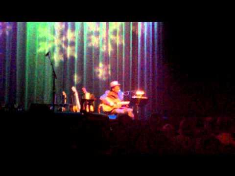 Elvis Costello - St Stephen