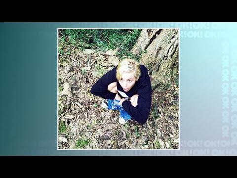 Selena Gomez Pelada, Anaconda Da Miley Cyrus E O Livro Da Kim Kardashian video