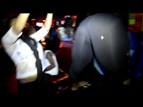 Girls Twerkin at Klub Cirok 2013