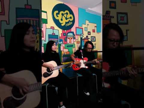 Download Riuh Sunyi - Peluk Mp4 baru