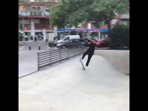 Um...🔥what @pereca_plug? 🎥: @_andrzejp   Shralpin Skateboarding