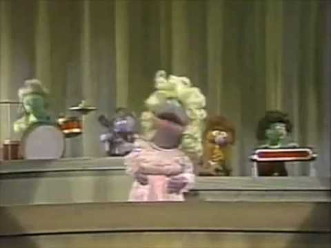 Sesame Street - Polly Darton sings 1 to 5 Video