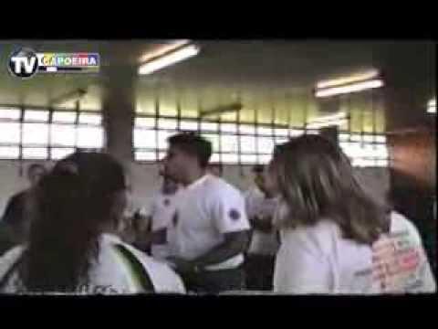 CAPOEIRA NA ESCOLA - MESTRE SARGENTO (PARTE 2)