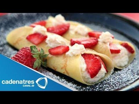 Receta de crepas de fresas con crema / Postres para el 14 de febrero