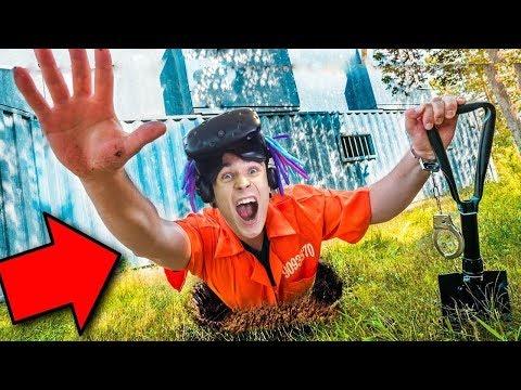 ОТКОПАЛ ТУННЕЛЬ ИЗ ТЮРЬМЫ И УБЕЖАЛ!! (PRISON BOSS VR)