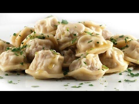 Пельмени домашние рецепт. Тесто для пельменей и вареников. Пельменница. Dumplings