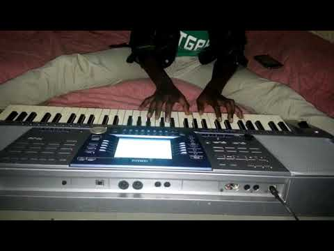 TOM CLOSE NABA UMUYONGA...piano cover by pianist paccy