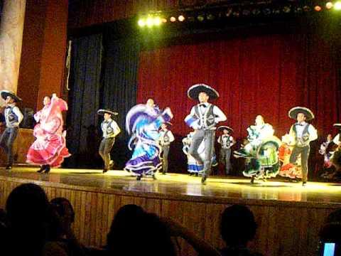 Ballet folklorico de la universidad autonoma de coahuila