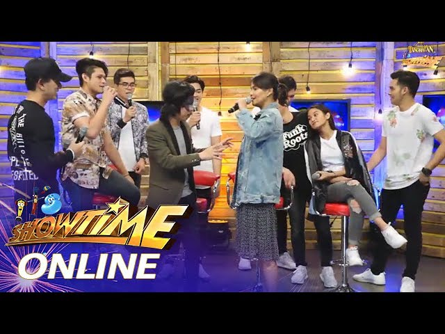 It's Showtime Online: Alessandra and Empoy take on the 'blindfold challenge'
