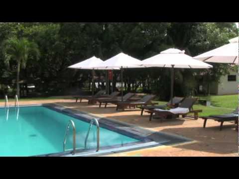 The Trek and Run Independent Review of the Taj Airport Garden Gateway Hotel. Sri Lanka