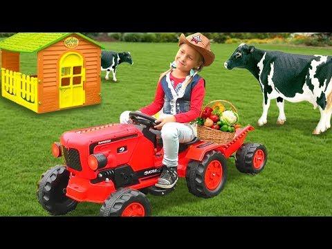 Sofia pretend play at Old MacDonald Had A Farm