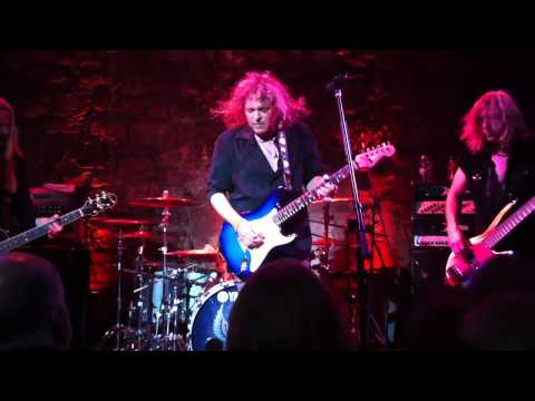 Y&T Plays Dave Meniketti