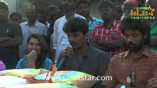Pokkiriraja Team Distributing Relief Materials To Chennai Flood Victims