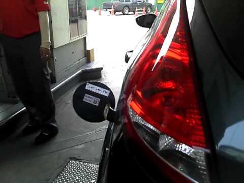 2012-03-28 ทดสอบรถผมที่ปั๊มเชลล์.3gp
