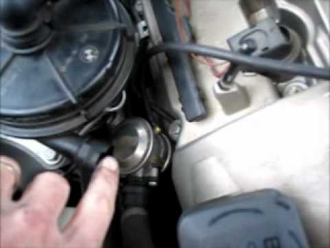 How To Test A BMW 325i Smog Pump / Air Pump