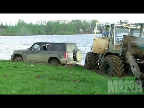 За кадром: «Ниссану» трактор не товарищ