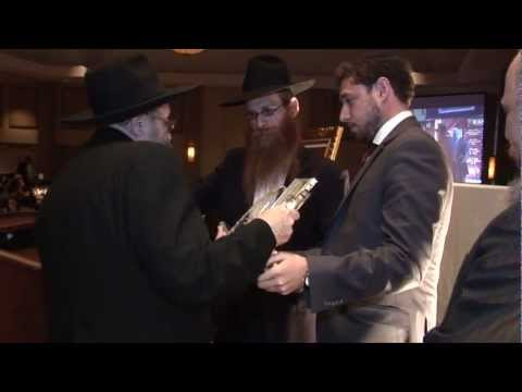Dovi Lesches is Honored at the Lubavitch Educational Centers Annual Dinner in Miami ~ (HD)