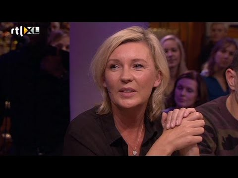 Saskia Noort: Een groot geschapen man is wel prettig - RTL LATE NIGHT