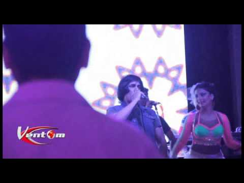 Ashmast Live Performance On Long Da Lashkara  Hotel Taj PalaceDelhi...