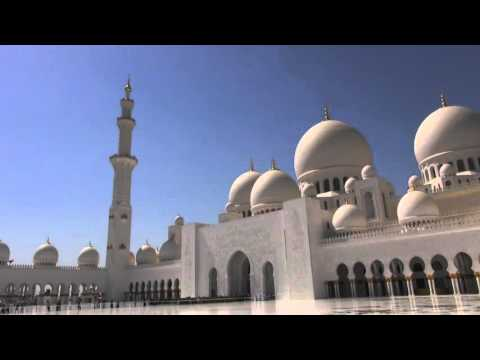 Mark Cavendish Great Mosque - ABU DHABI TOUR 2015 © RCS SPORT VIDEO CREDIT: ANSA / MENTUCCIA