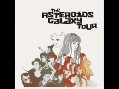The Asteroids Galaxy Tour - Around The Bend ( ipod touch advert)