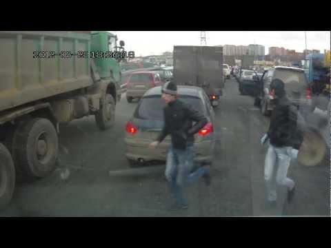 Опубликована запись с видеорегистратора автобуса сбившего людей в Москве