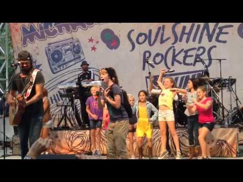 Ari Eisenberg with Michael Franti at Napa Rocks earthquake