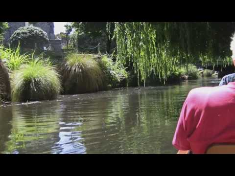 Punting on the Avon, Christchurch, New Zealand in full HD