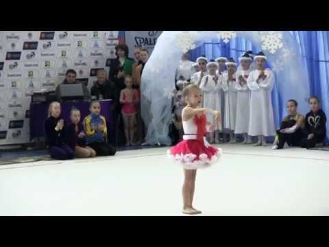 Показательное выступление «Юная гимнастка»