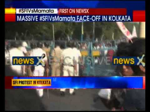 SFI workers protest against Mamata Banerjee