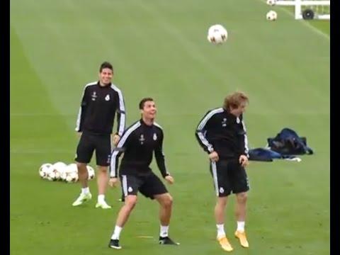 Cristiano Ronaldo , Luka  Modric y su brillante combate de 'espaldinhas'