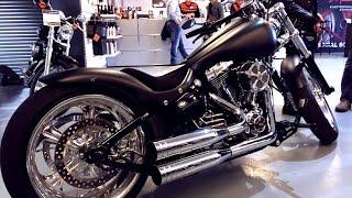 Harley Davidson Breakout Softail FXSB Custom Show