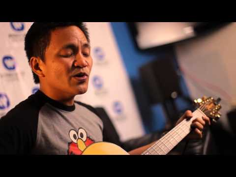 Ebe Dancel - Tulog Na/Wag Ka Nang Umiyak Medley [Live At The Boardroom]