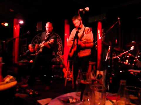 TUFF PUZZLE - Acoustic Alchemy at Pizza Express Jazz Club, April 2012 032.MOV