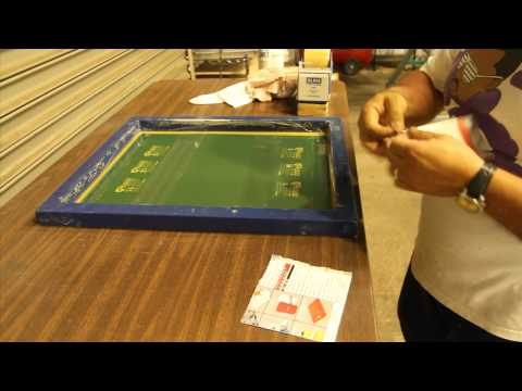 screen printing tagless labels - a how to on relabeling American Apparel t-shirts